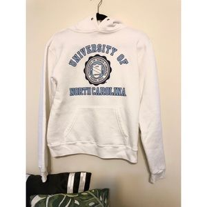 Tops - UNC Chapel Hill Carolina Sweatshirt (S)